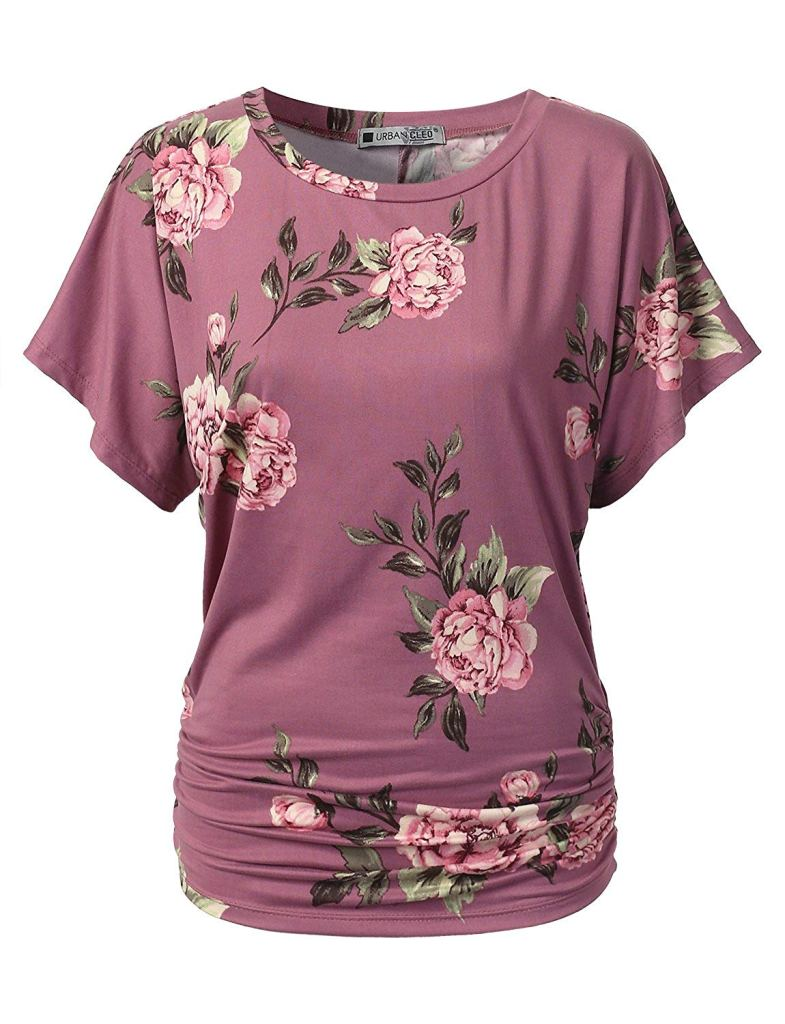 27 Graceful Plus Size Women Outfit and Dress For Everyday - A pink shirt - Sleeve